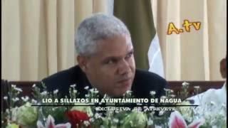 preview picture of video 'Lio a Sillazos en el Ayuntamiento de Nagua - Exclusiva de AtreveteTV.'