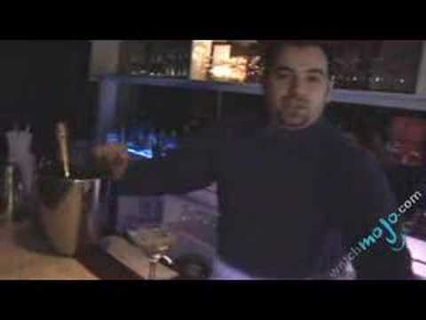Bartending Tips – How to Frost a Glass