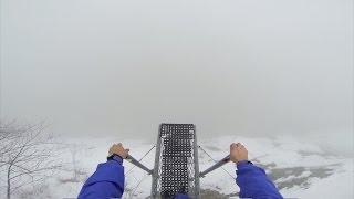 Смотреть онлайн Невероятный прыжок с парашютом в бездну