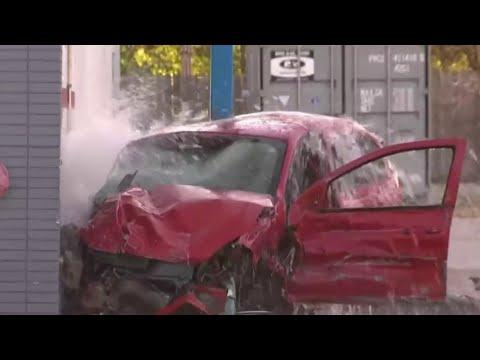 1 killed in 2 vehicle crash on 8 Mile Road in northwest Detroit
