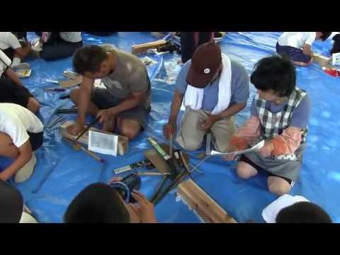 種子島の学校活動:油久小学校親子で竹トンボ作り体験