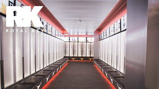 We Toured The TEXAS LONGHORNS FOOTBALL Facility | Royal Key | Coiski
