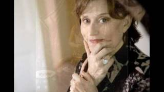 Linda Thompson - 'I Live Not Where I Love'