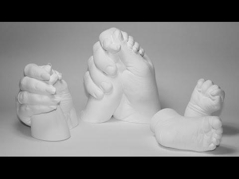 3d Gipsabdruck Mutter mit Baby Hand Teil 2