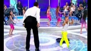Raul Gil Dança Rebolation Mostrando A Barriga Ao Vivo