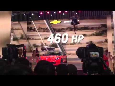 Chevrolet-Corvette-mi-nht-ra-mt-ti-VMS-2015-wwwcarbayvn