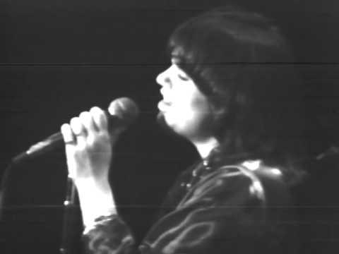 Linda Ronstadt - Desperado - 12/6/1975 - Capitol Theatre (Official)