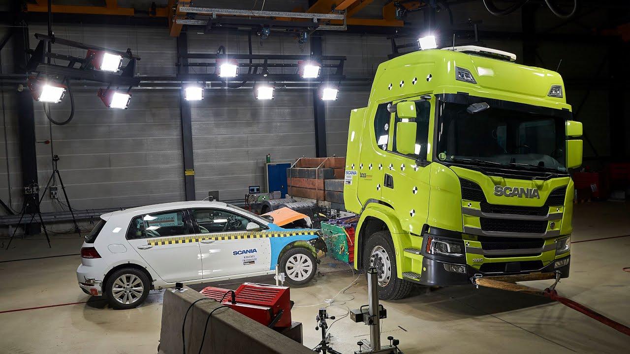 Краш-тесты электрического грузовика Scania. Что шведы проверяли во время симуляции?