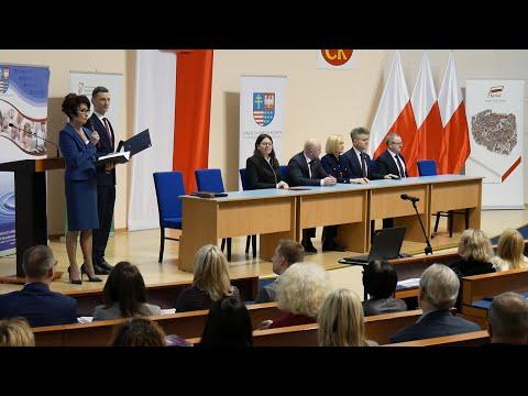 O finansowaniu zadań publicznych realizowanych przez organizacje pozarządowe podczas konferencji w Kielcach