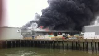 preview picture of video 'Fire at Sheerness Docks'