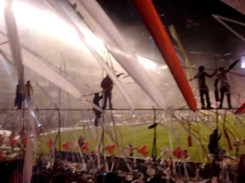 """Muerte Blanca New York en la Final Copa Libertadores 1"" Barra: Muerte Blanca • Club: LDU"