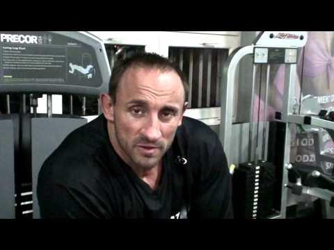 Zobacz, jak szybko zbudować mięśnie w domu