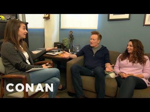 S asistentkou Sonou na personálním oddělení - CONAN