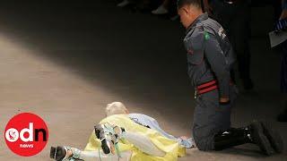 model dies on catwalk liveleak - Thủ thuật máy tính - Chia