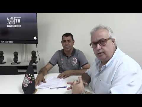 Fábio Carille assina novo contrato com o Corinthians