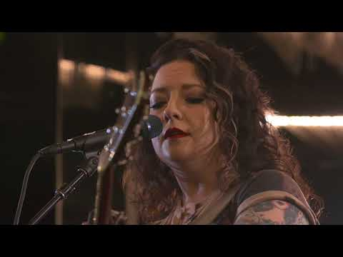 C2C SESSIONS 2018: Ashley McBryde - Girl Goin' Nowhere