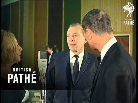 British Pathe clip of Les Swingles