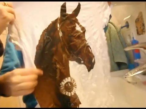 2013 Myriam packt das gepresste Magic Pferde T Shirt im Wasser aus