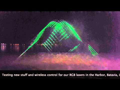 Lasershow op Meerpaalplein als afsluiting van Lichtjestour in Dronten