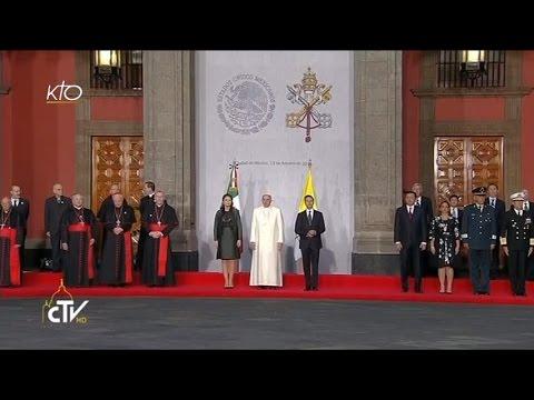 Le Pape François est accueilli par le Président de la République mexicaine
