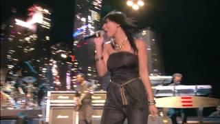 Jay Z & Bridget Kelly   Empire State Of Mind    Live live