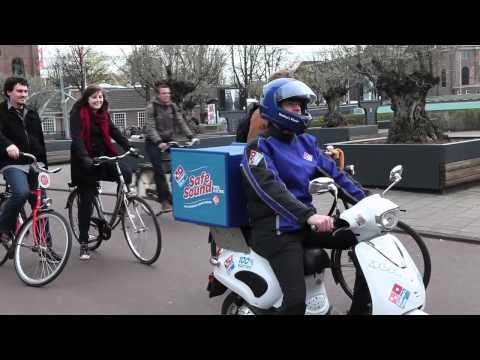 Il motorino parlante che consegna le pizze