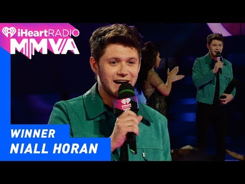 Niall Horan's First Solo Award in Canada | 2017 iHeartRadio MMVAS