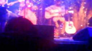 Angus & Julia Stone- 'What You Wanted' & 'Mango Tree' (Bundaberg 18.08.10)