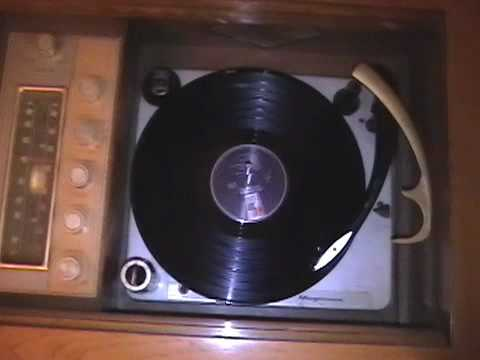 Burt Bacharach's Trains and Boats and Planes on the 1963 Magnavox Stereophonic Console