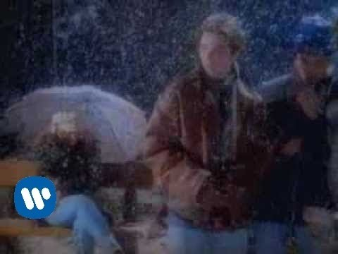 Amores Extraños - Laura Pausini (Video)