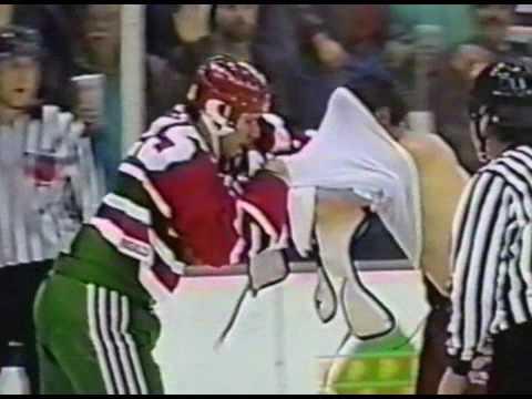 Troy Crowder vs Bob Probert