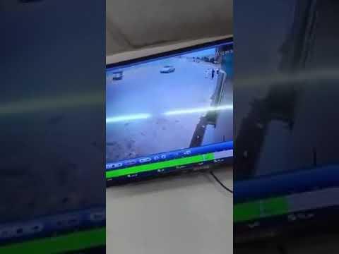 بالفيديو .. مفحط يفقد السيطرة على مركبته ويدهس طالبين بجازان