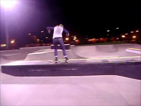Justin Mitchell (Davenport, Iowa Skatepark)