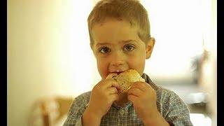 Одноклассник дочери доедал остатки школьных обедов. А вскоре, состоялось родительское собрание