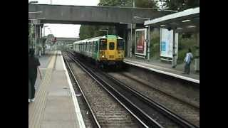 preview picture of video 'The Southern calling at Streatham Hill'