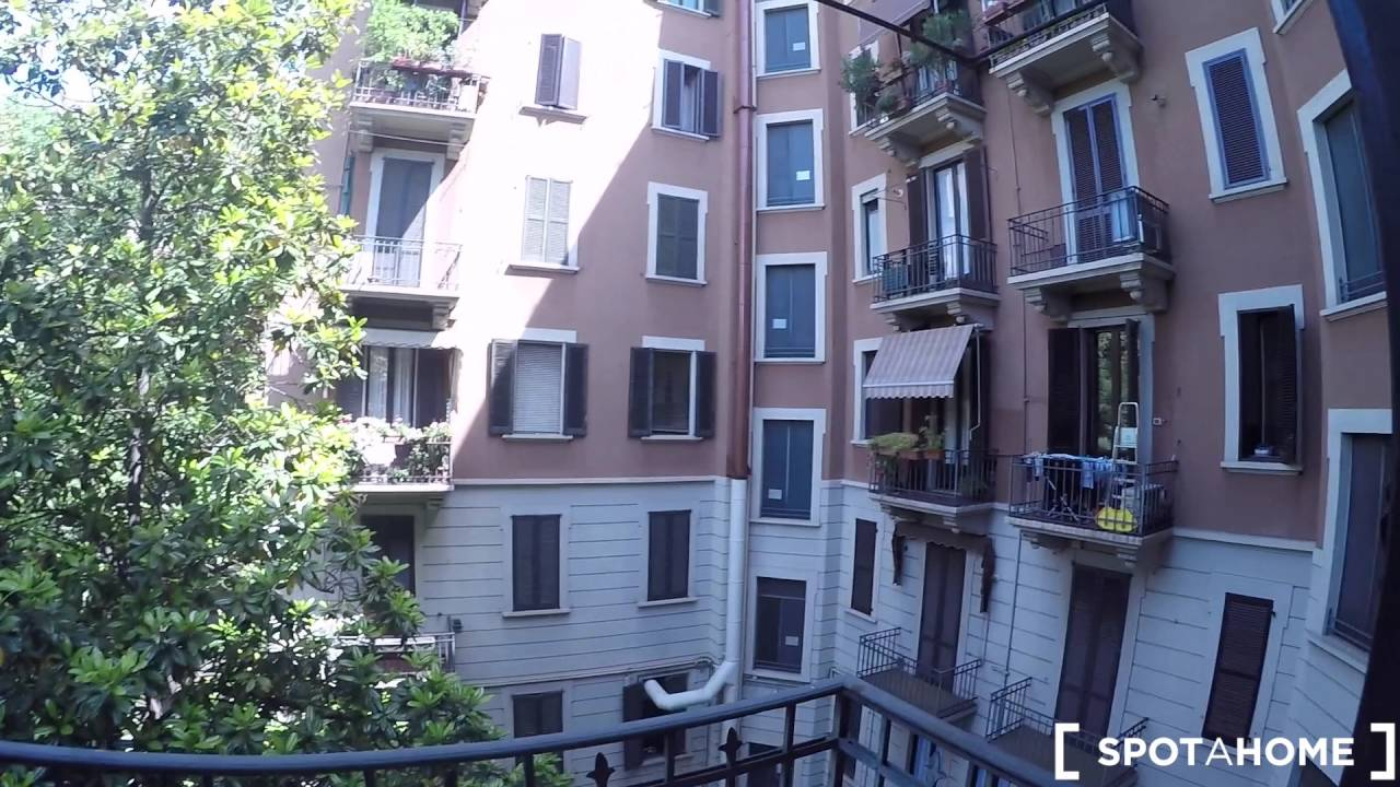 Beds for rent in shared rooms in 95m² 2-bedroom apartment with balcony in bustling Buenos Aires