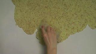 Как наносить жидкие обои на стену видео