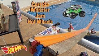 Hot Wheels Pista Carrinhos Monster Jam Aquaplanagem - Brinquedos