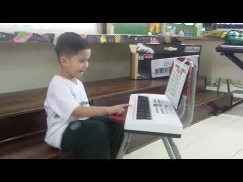 Zidane Playing Piano (Twinkle Twinkle Little Star)