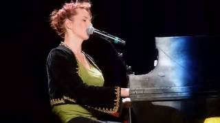 "Amanda Palmer performs Leonard Cohen's ""Everybody Knows"""