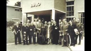 Skymasters Met Duet Van Annie De Reuver   De Kleine Harmonicaspeler 1952