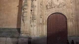 preview picture of video 'El astronauta y el dragón de la catedral de Salamanca - The astronaut and the dragon of Salamanca'