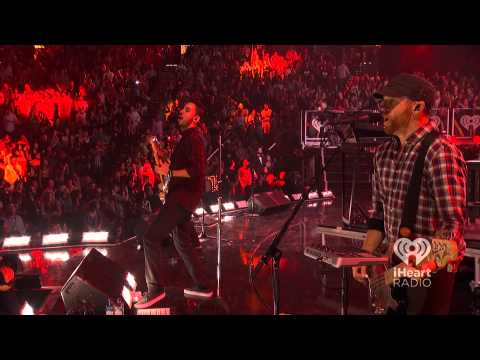 Linkin Park Live - Lost In The Echo iHeart Radio Music Festival 2012 [HD]