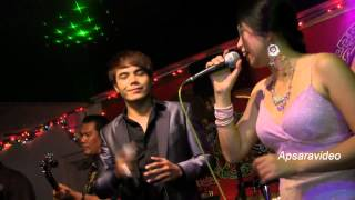 "Chhorn Sovannareach and Sambath sing a classic ""Pel Ramvong"" in concert at San Diego, CA"