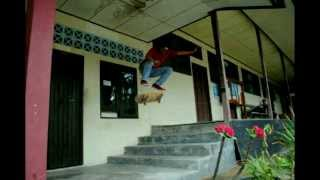 preview picture of video 'Sampit punya skateboard'