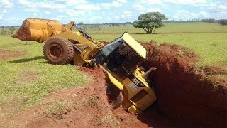 15 Dangerous Idiots Extreme Heavy Equipment Fail | Win Skills - Recovery Excavator Stuck In Mud