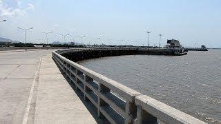 ถนนเลียบชายทะเล (สะพานชลมารควิถี ๘๔ พรรษา) ชลบุรี