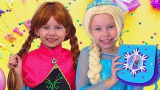 Frozen Elsa Está Preparando Un Regalo Para El Cumpleaños De PRINCESAS Anna