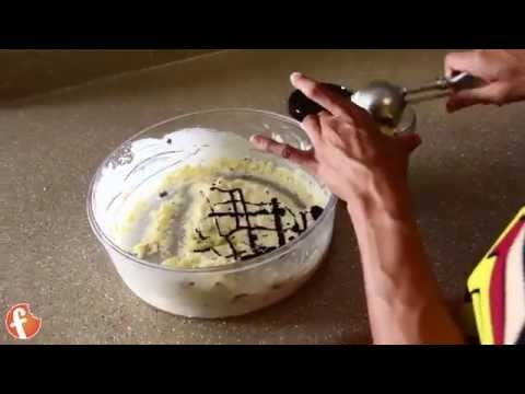 Video Homemade Low Carb Sugar-free Chocolate Chip Ice Cream (Easy - No Machine Needed)