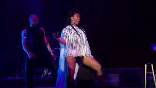 """Brandy performs """"I Wanna Be Down (Remix), Baby, & Best Friend"""" live at the Fillmore Silver Spring"""